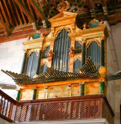 Fuentes-de-Nava-Santa-Maria-organo-que-ver-en-palencia